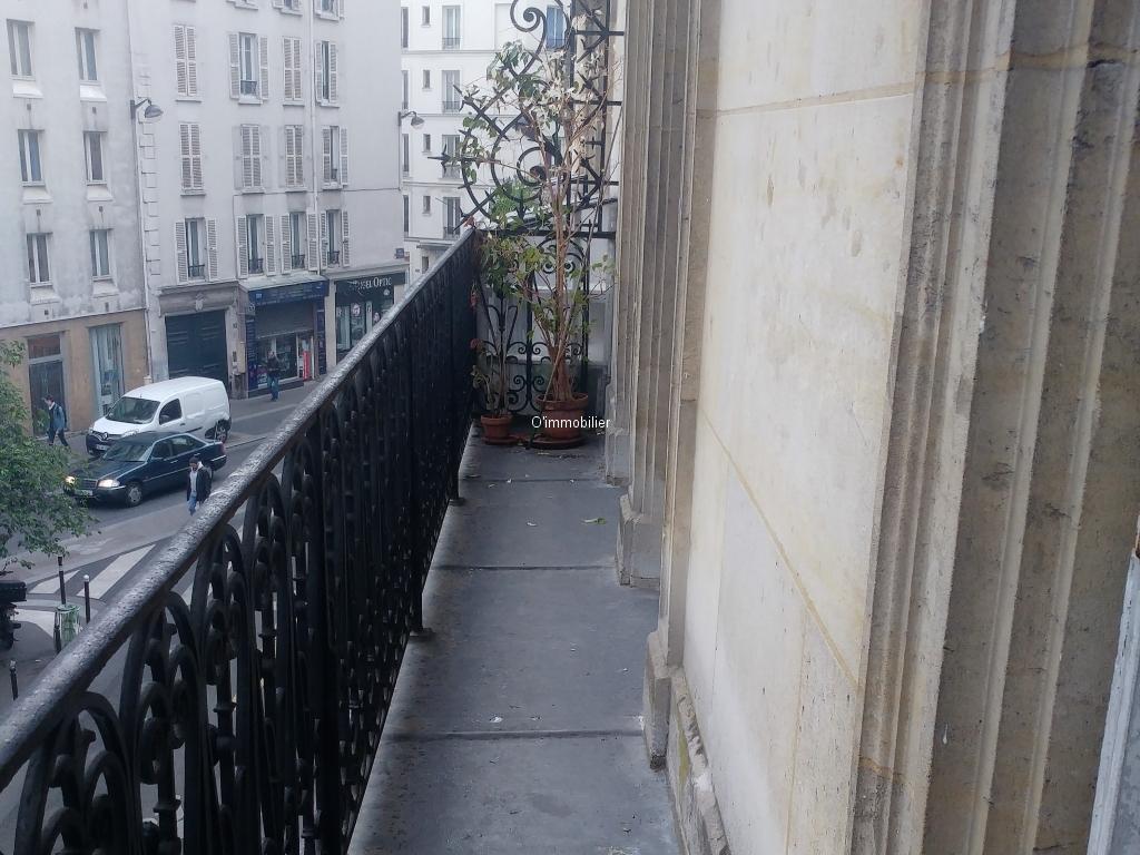 3 pi ces 65 m terrasse de 23 m 2 me tage haussmannien balcon filant. Black Bedroom Furniture Sets. Home Design Ideas